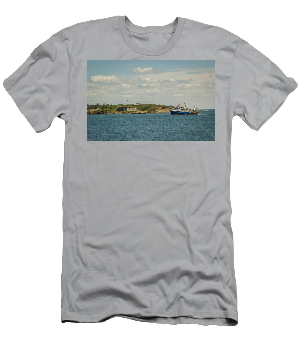 Maine Men's T-Shirt (Athletic Fit) featuring the photograph Back Home by Jane Luxton