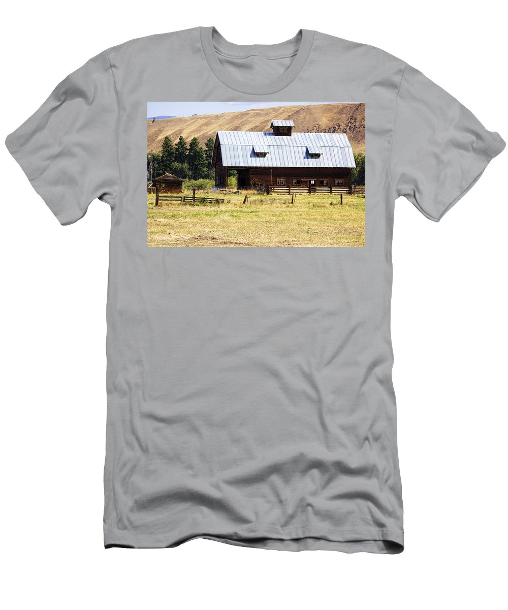 Men's T-Shirt (Athletic Fit) featuring the photograph Barn Near Ellensburg Wa by Cathy Anderson