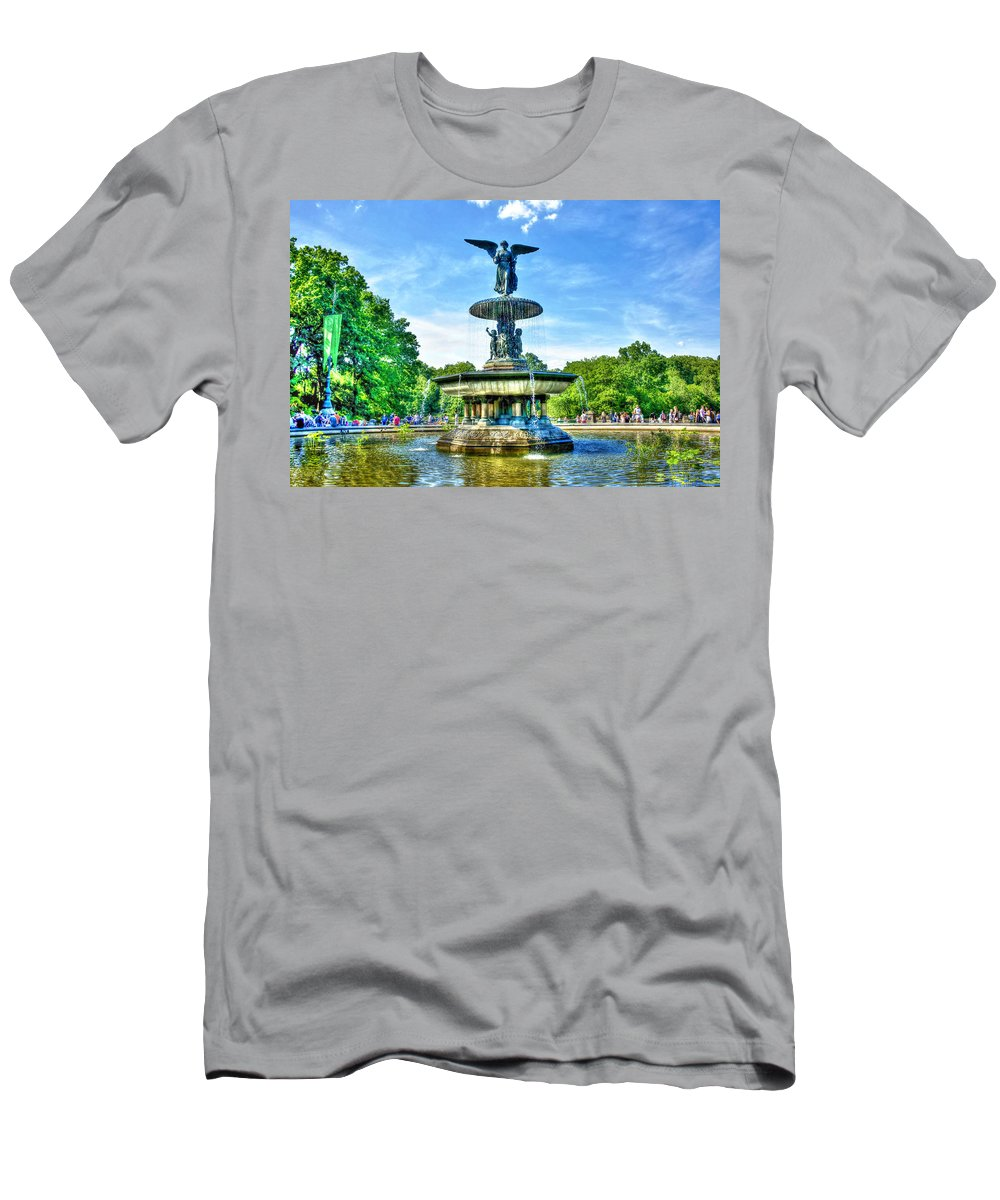 Bethesda Men's T-Shirt (Athletic Fit) featuring the photograph Bethesda Fountain At Central Park by Randy Aveille