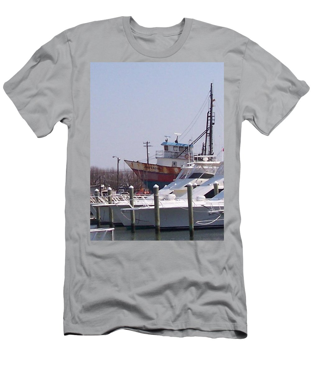 Boat Men's T-Shirt (Athletic Fit) featuring the photograph Boats Docked by Pharris Art