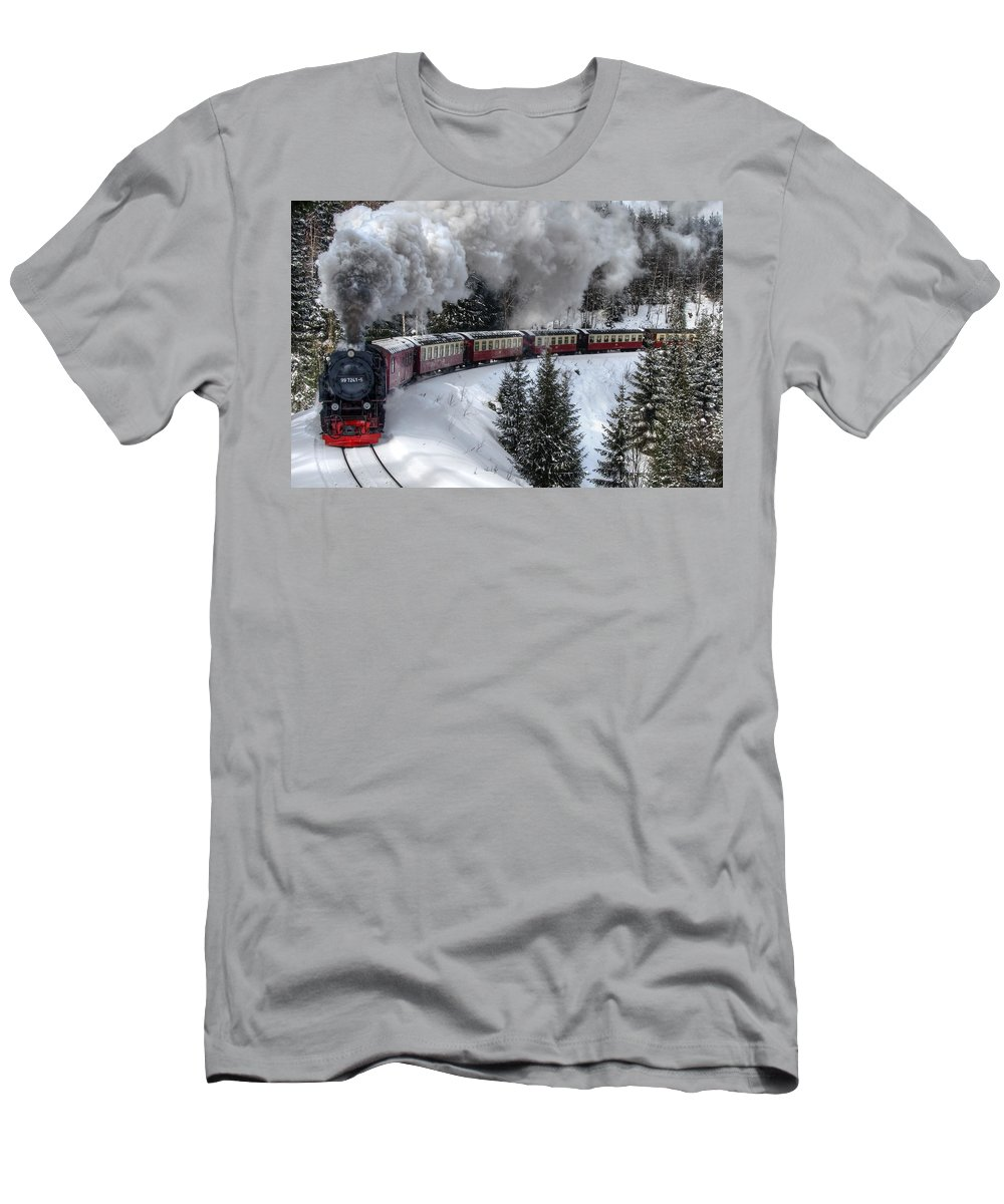 Christmas Men's T-Shirt (Athletic Fit) featuring the pyrography Brockenbahn by Steffen Gierok