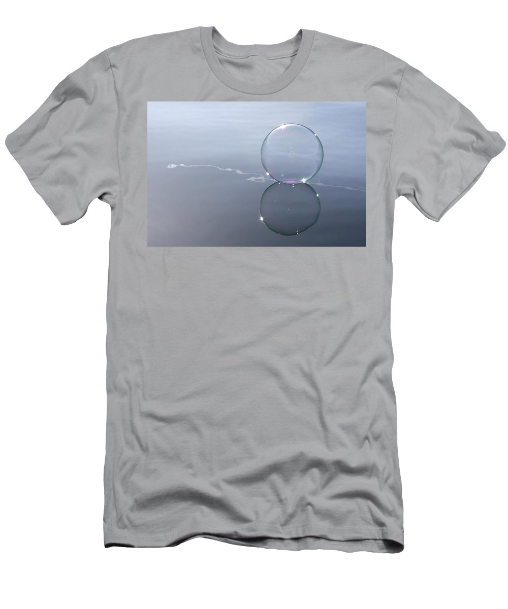 Line Men's T-Shirt (Athletic Fit) featuring the photograph Bubble On The Line by Cathie Douglas