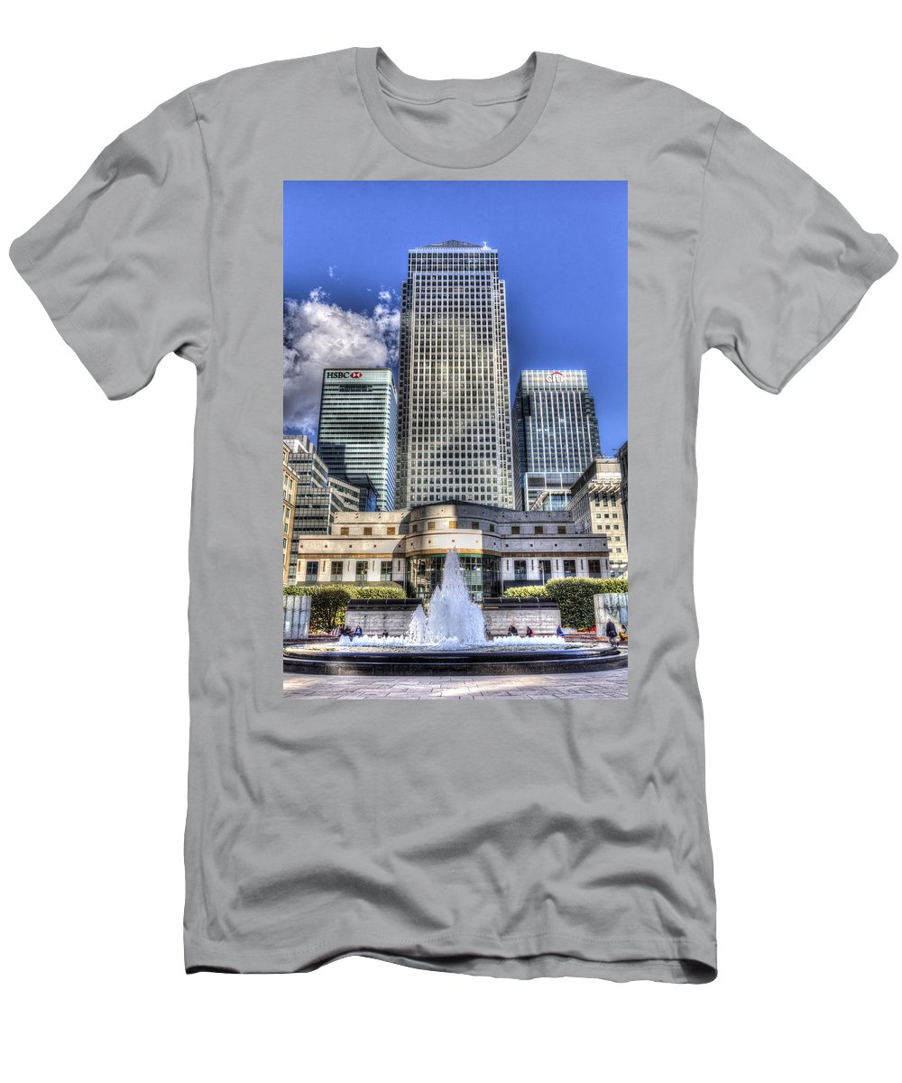 Cabot Square Men's T-Shirt (Athletic Fit) featuring the photograph Cabot Square London by David Pyatt