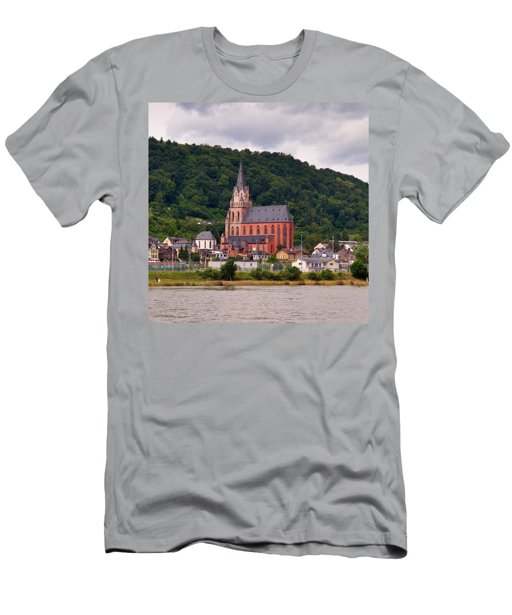 Alankomaat Men's T-Shirt (Athletic Fit) featuring the photograph Church Of Our Lady Oberwesel Am Rhein by Jouko Lehto