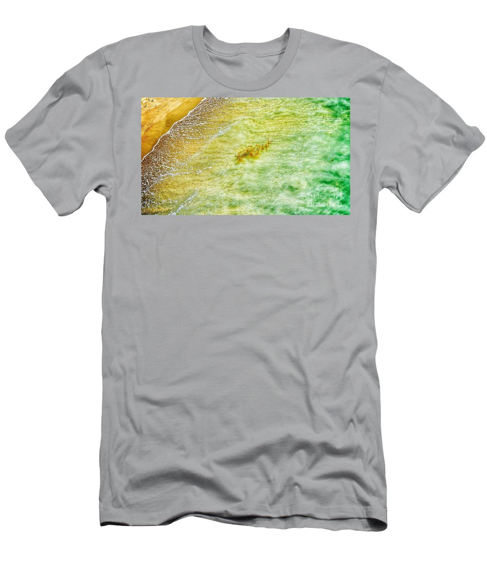 Waves Men's T-Shirt (Athletic Fit) featuring the photograph Coming Ashore by Susan Garren