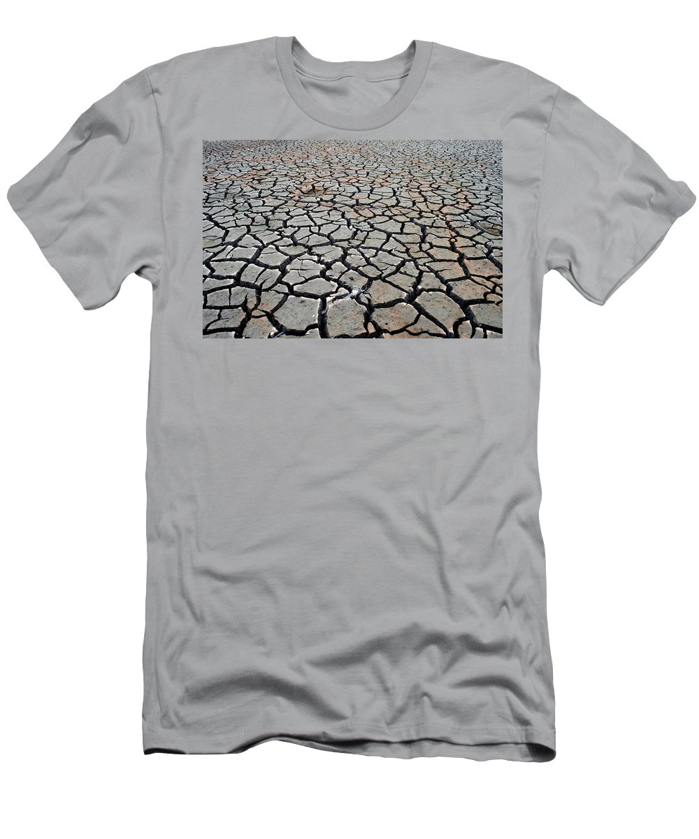 Emigrant Lake Men's T-Shirt (Athletic Fit) featuring the photograph Cracks For Miles by Teri Schuster