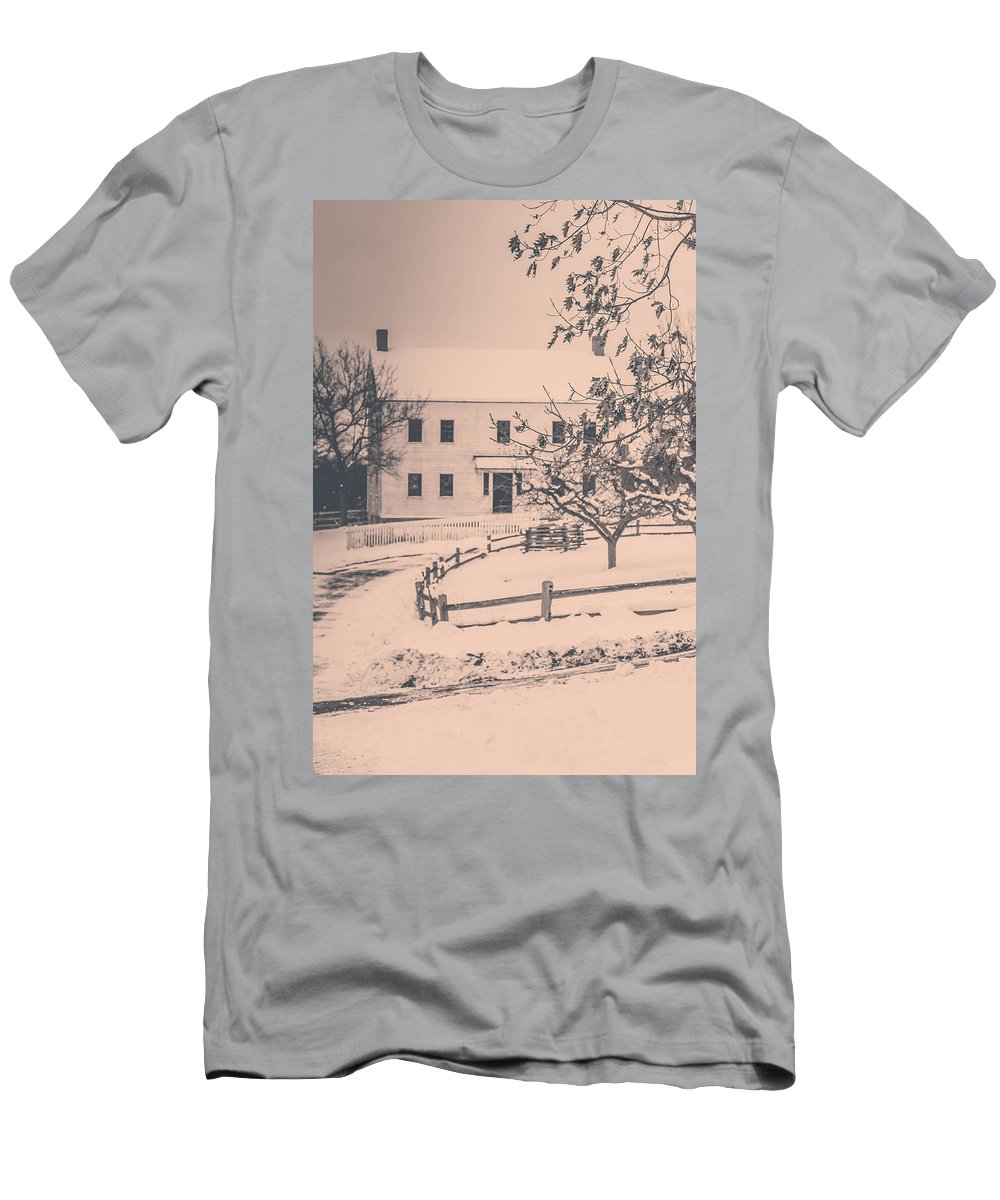 Vintage Photos Men's T-Shirt (Athletic Fit) featuring the photograph Days Gone By by Sara Frank