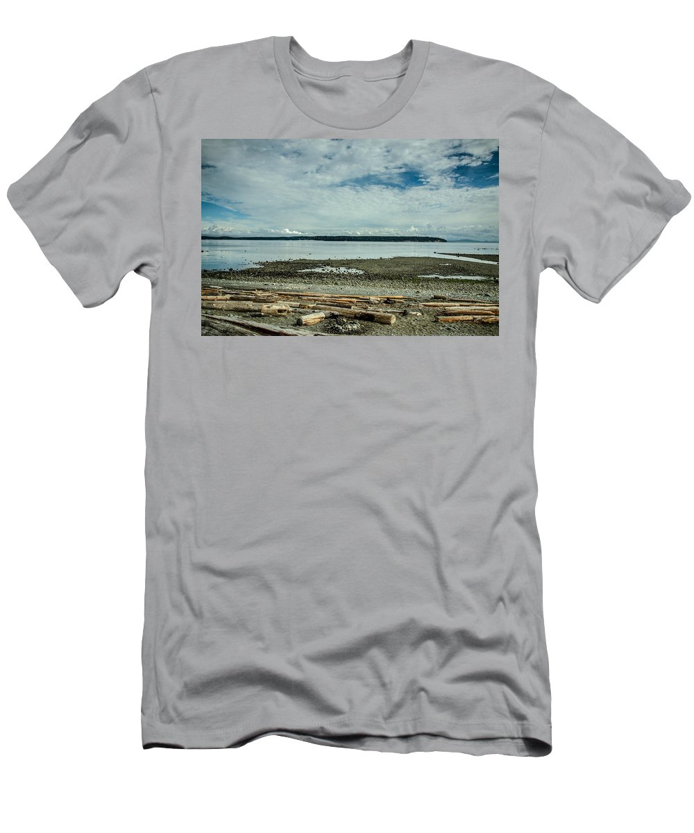 Discovery Passage Men's T-Shirt (Athletic Fit) featuring the photograph Low Tide Along The Discovery Passage by Roxy Hurtubise
