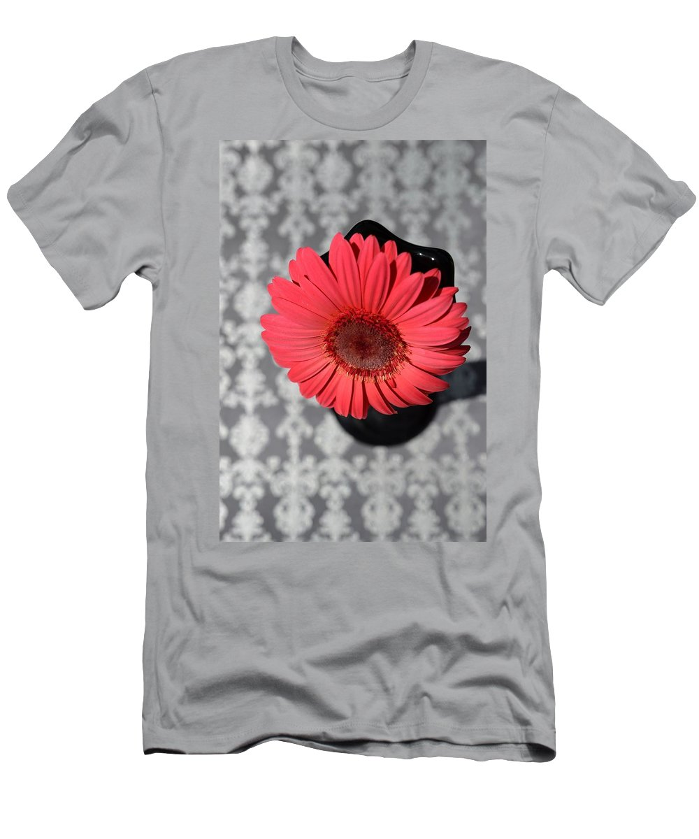 Flower Men's T-Shirt (Athletic Fit) featuring the photograph Dsc0064d by Kimberlie Gerner
