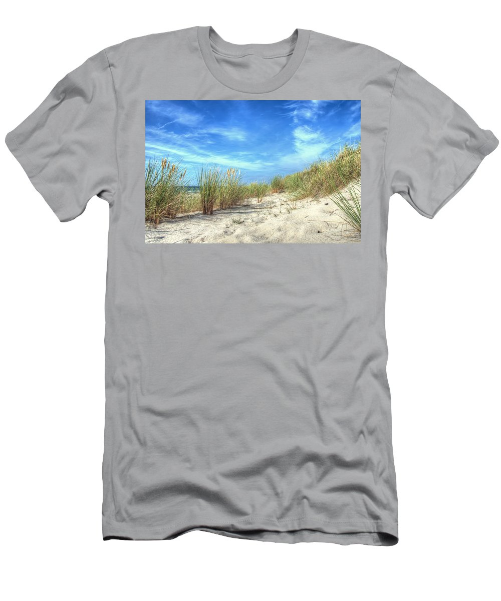 Ostsee Men's T-Shirt (Athletic Fit) featuring the pyrography Dunas by Steffen Gierok
