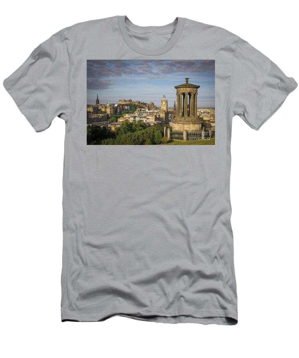 Architectural Men's T-Shirt (Athletic Fit) featuring the photograph Edinburgh Sunrise by Brian Jannsen