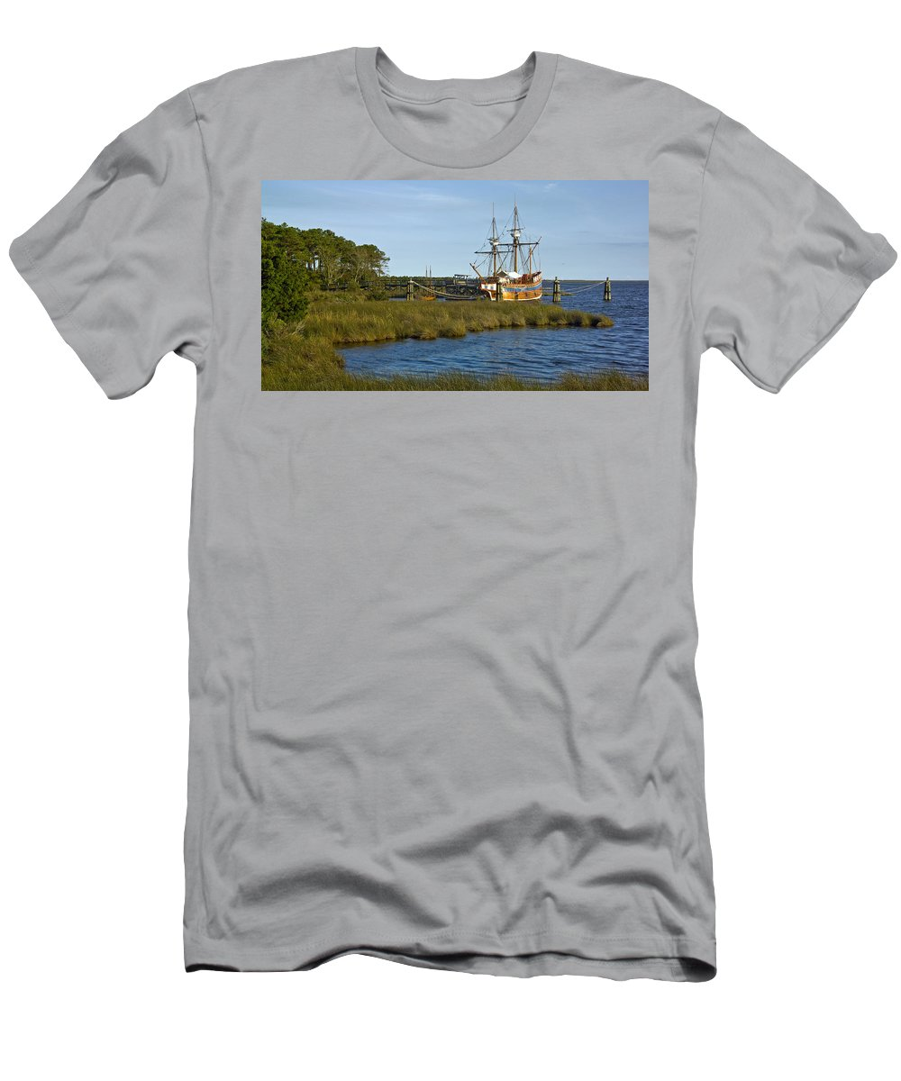 Boat Men's T-Shirt (Athletic Fit) featuring the photograph Elizabeth II In Port by Greg Reed