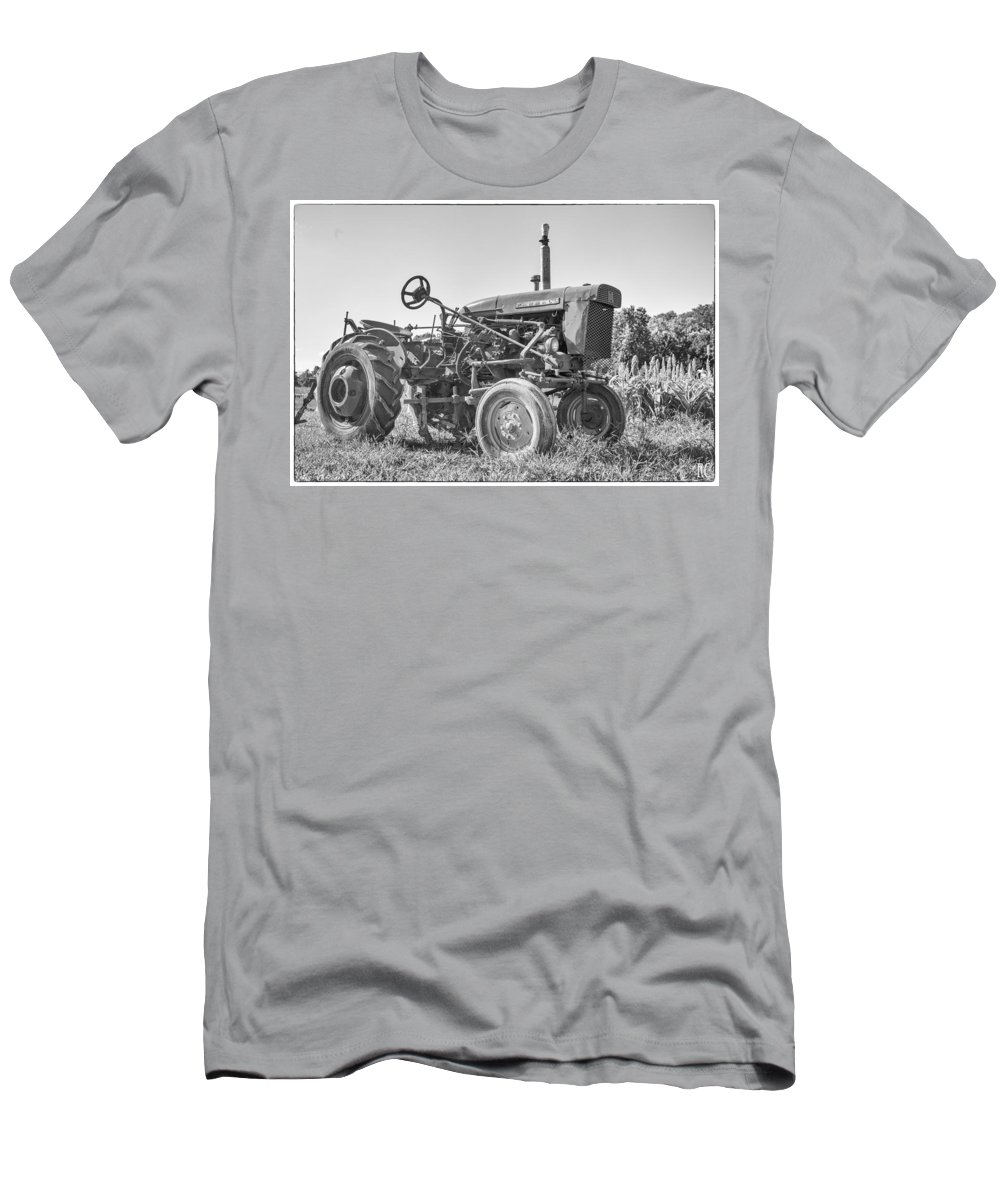 Black And White Men's T-Shirt (Athletic Fit) featuring the photograph Farmall by Russ Cahn