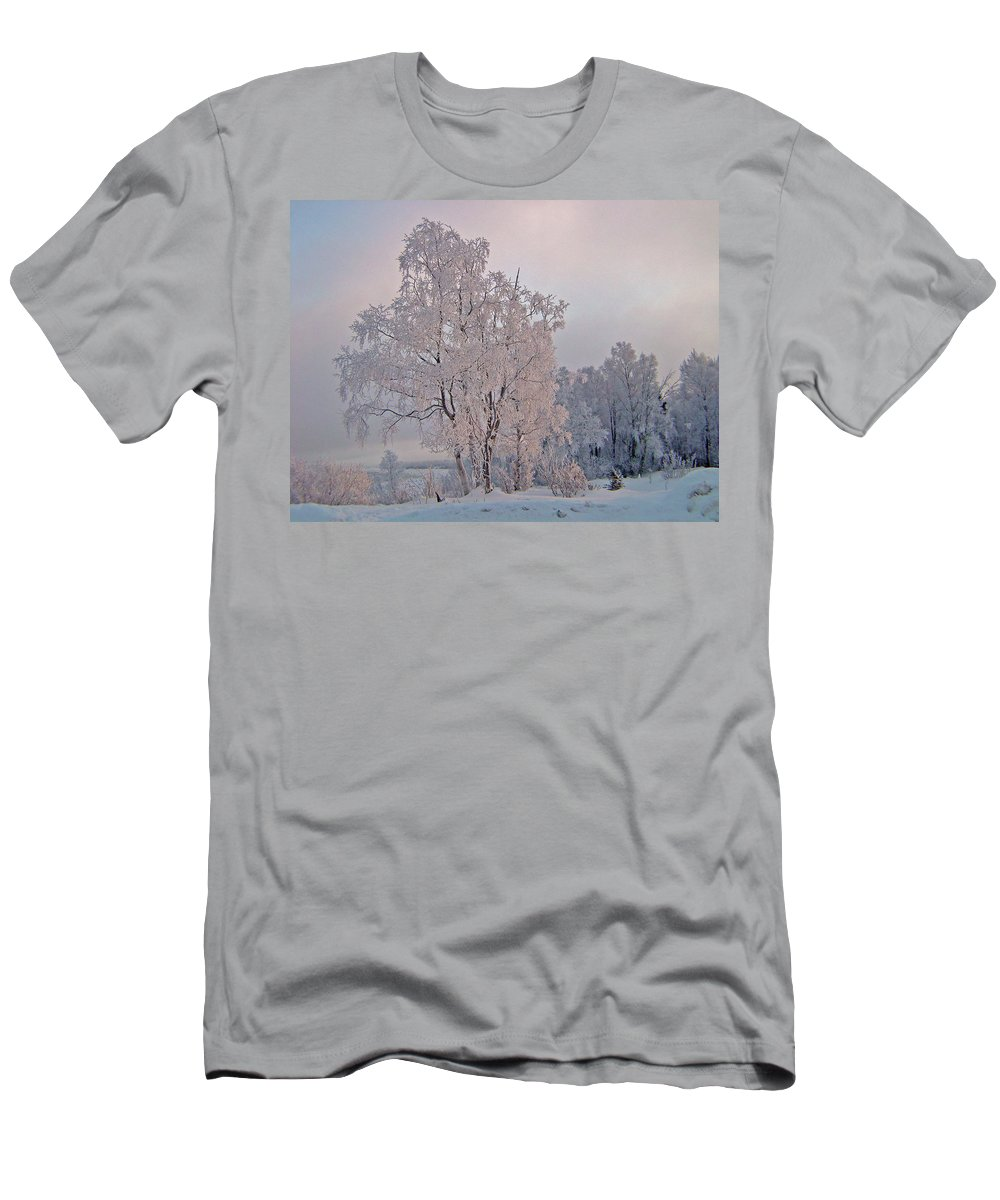 Alaska Men's T-Shirt (Athletic Fit) featuring the photograph Frozen Moment by Jeremy Rhoades