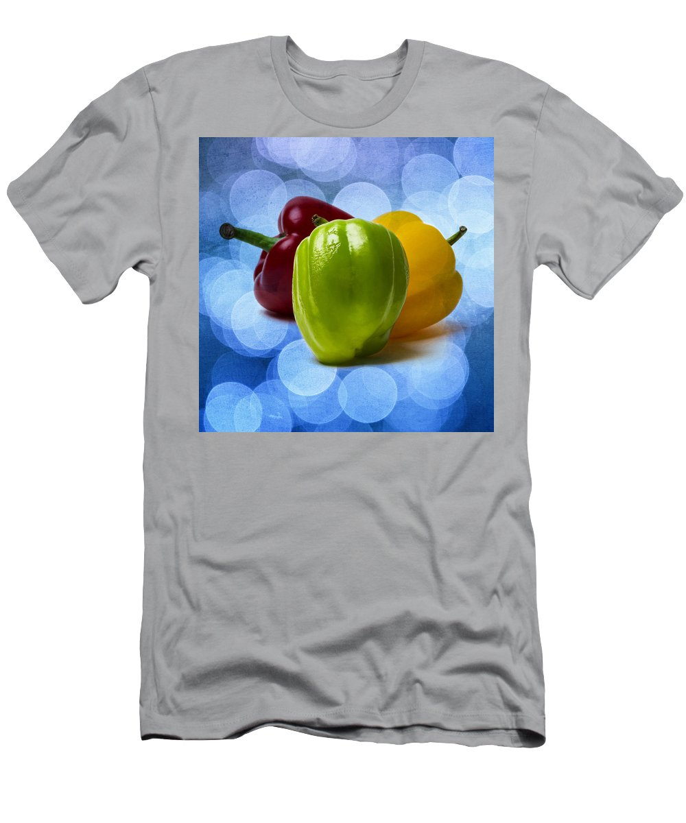 Pepper Men's T-Shirt (Athletic Fit) featuring the photograph Green Sweet Pepper - Square - Textured by Alexander Senin