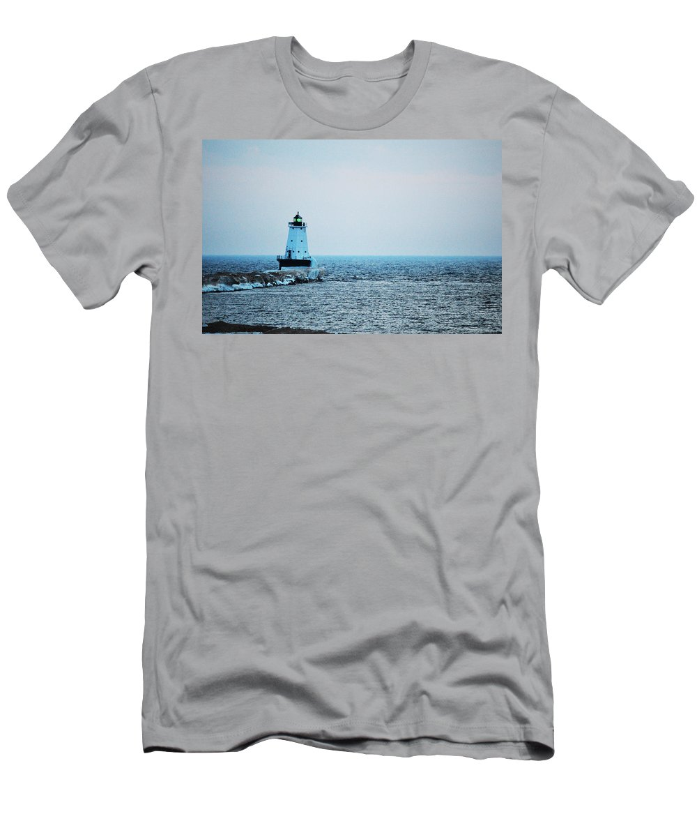 Lake Michigan Men's T-Shirt (Athletic Fit) featuring the photograph Guide The Way by Linda Kerkau