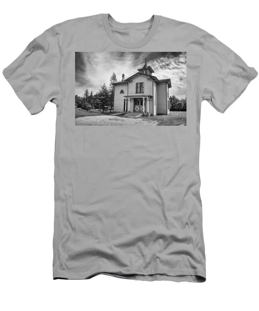 Guy Whiteley Photography Men's T-Shirt (Athletic Fit) featuring the photograph Hamilton House Garden House by Guy Whiteley