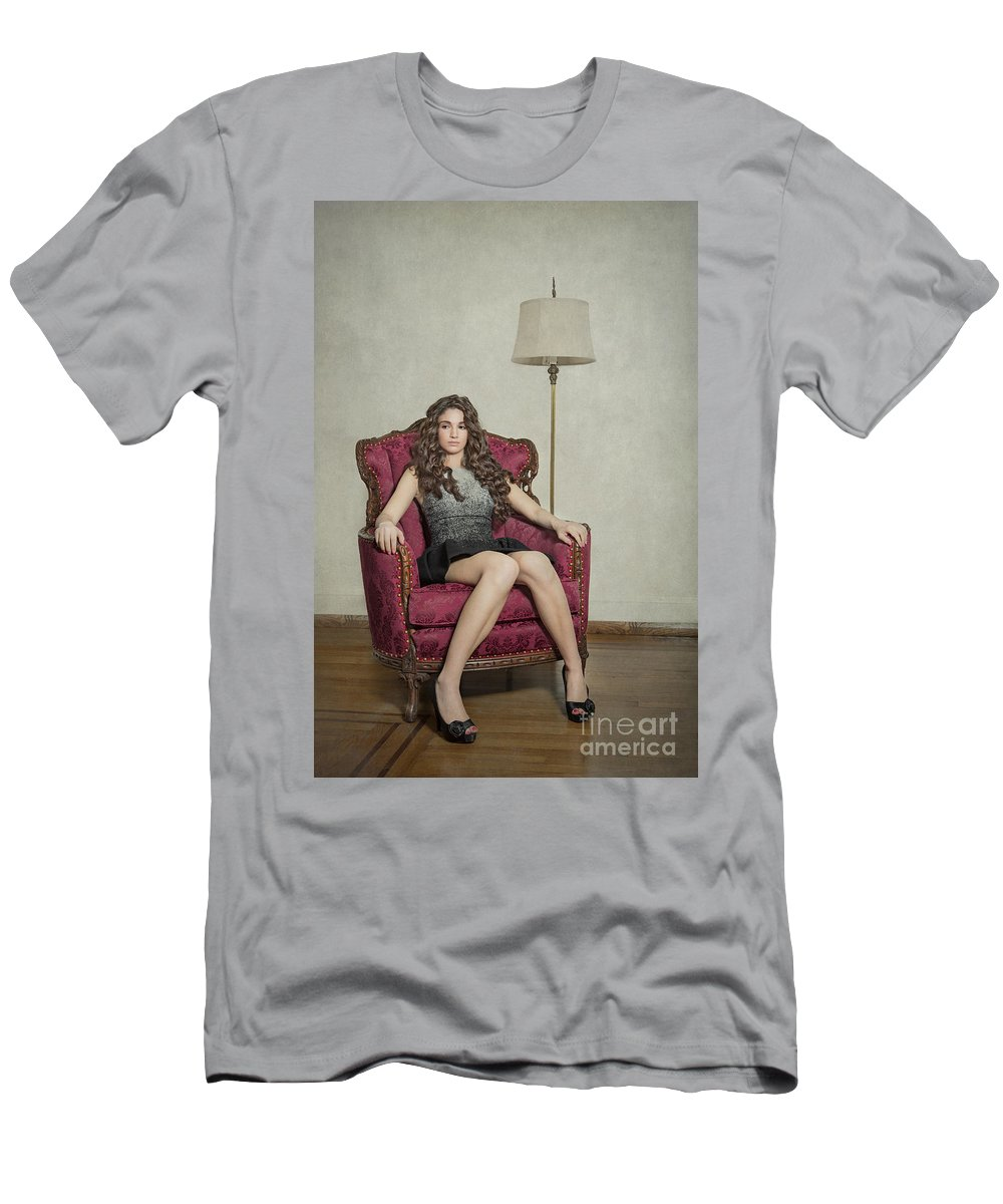 Girl Men's T-Shirt (Athletic Fit) featuring the photograph Her Majesty by Evelina Kremsdorf