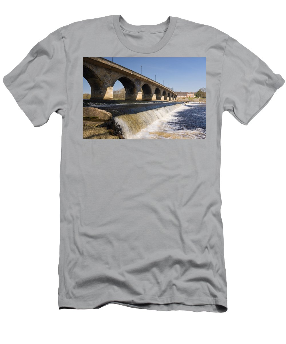 Northumberland Men's T-Shirt (Athletic Fit) featuring the photograph Hexham Bridge And Weir by David Head