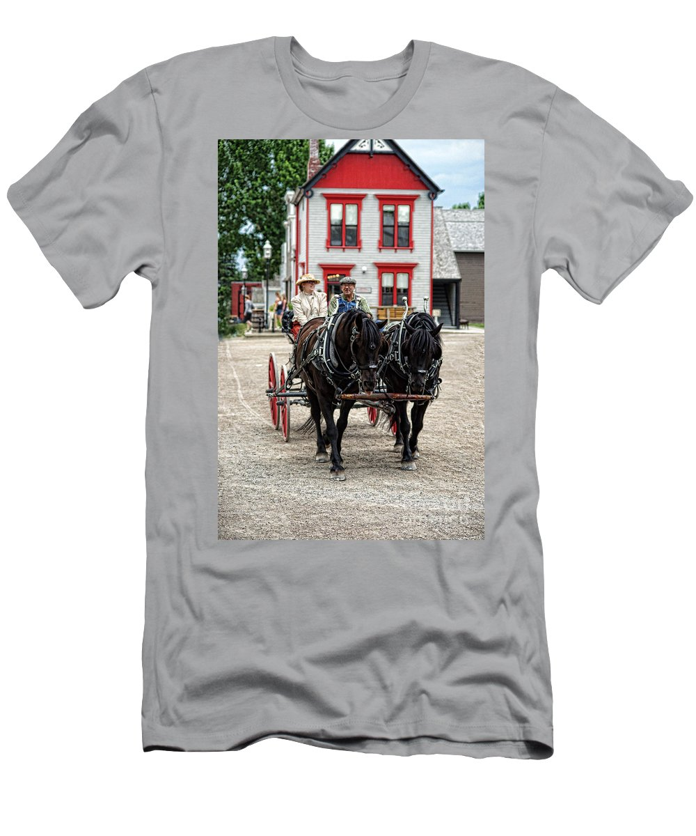 Horses Men's T-Shirt (Athletic Fit) featuring the photograph Horse And Buggy Sc3643-13 by Randy Harris
