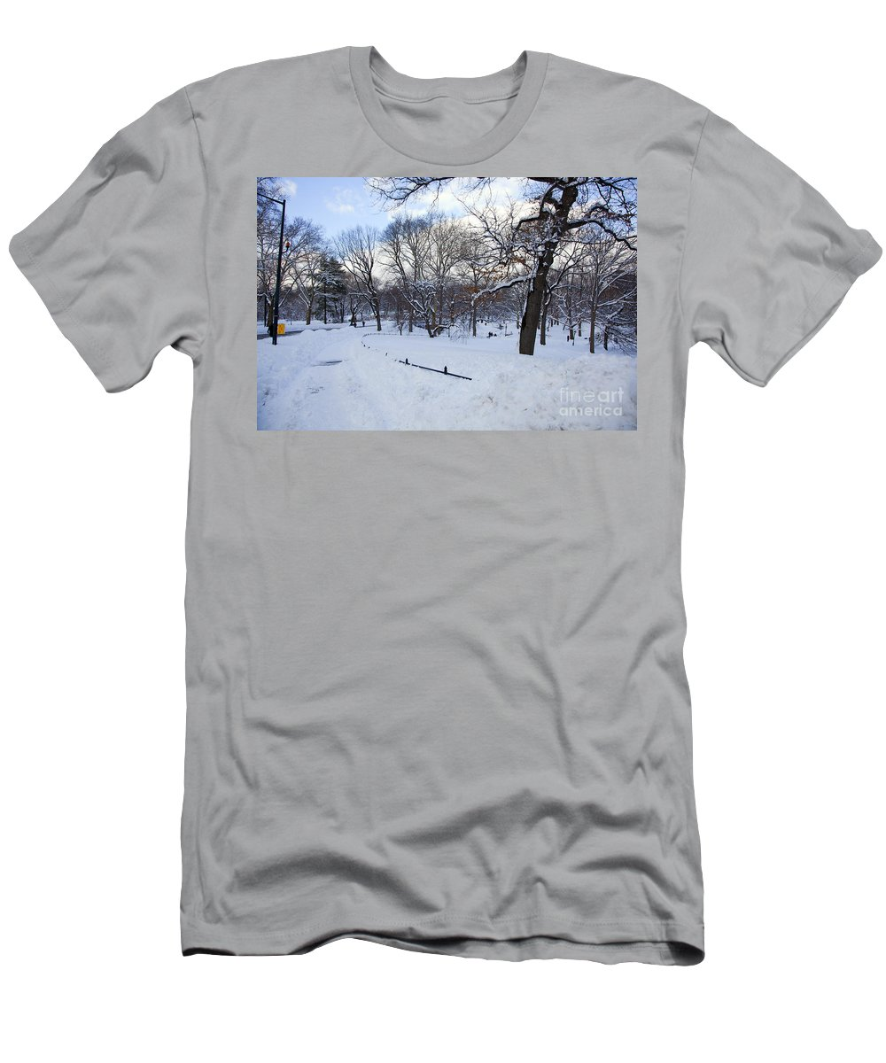 Snow Men's T-Shirt (Athletic Fit) featuring the photograph In Central Park by Madeline Ellis