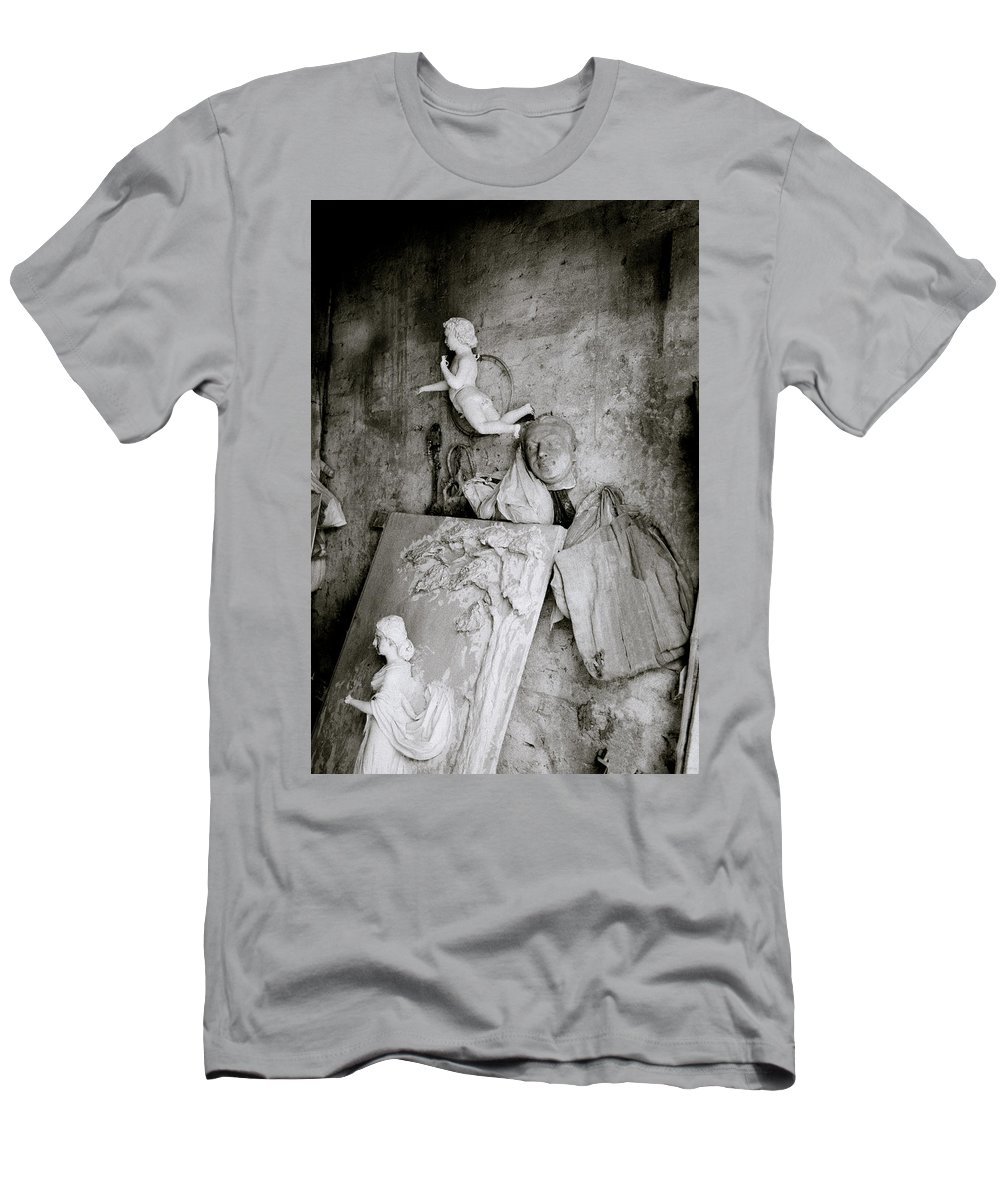 Angel Men's T-Shirt (Athletic Fit) featuring the photograph Kumartuli Angel by Shaun Higson