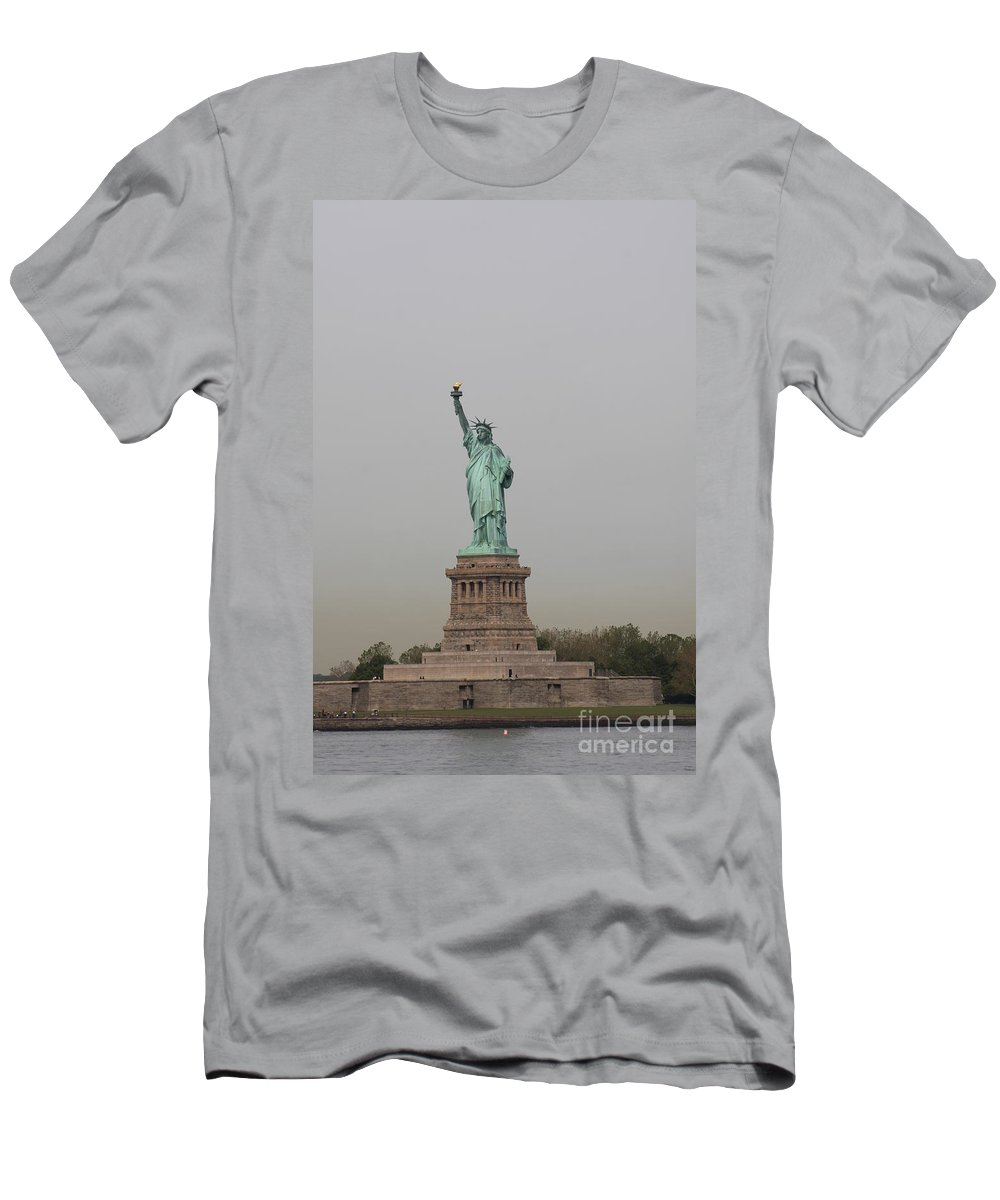 Lady Liberty Men's T-Shirt (Athletic Fit) featuring the photograph Lady Liberty II by Christiane Schulze Art And Photography