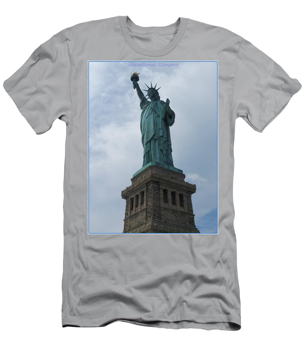Greetings Men's T-Shirt (Athletic Fit) featuring the photograph Lady Liberty by Sonali Gangane