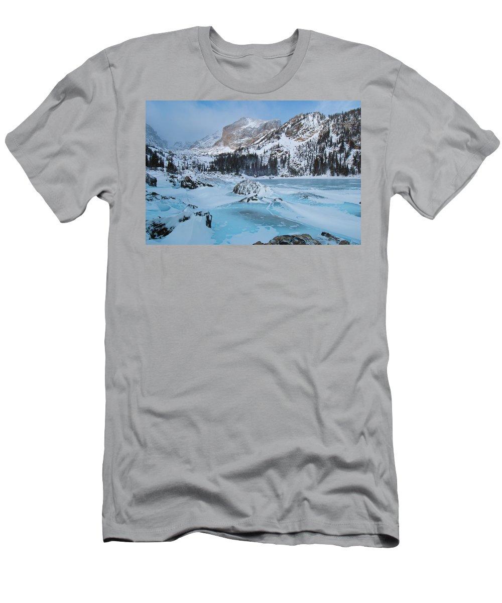 Lake Haiyaha Men's T-Shirt (Athletic Fit) featuring the photograph Lake Haiyaha Winter by Cascade Colors