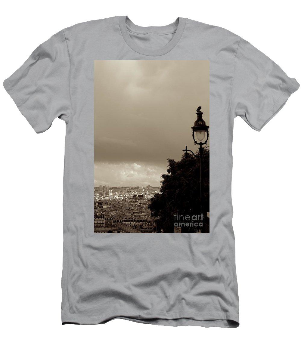 Garde Men's T-Shirt (Athletic Fit) featuring the photograph L'autre Garde by Donato Iannuzzi