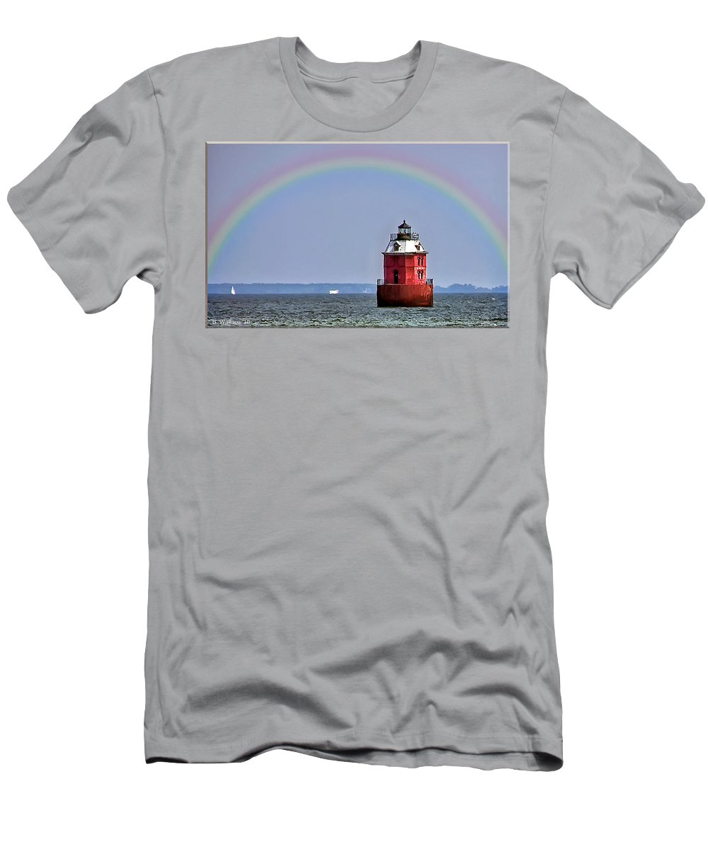 2d Men's T-Shirt (Athletic Fit) featuring the photograph Lighthouse On The Bay by Brian Wallace