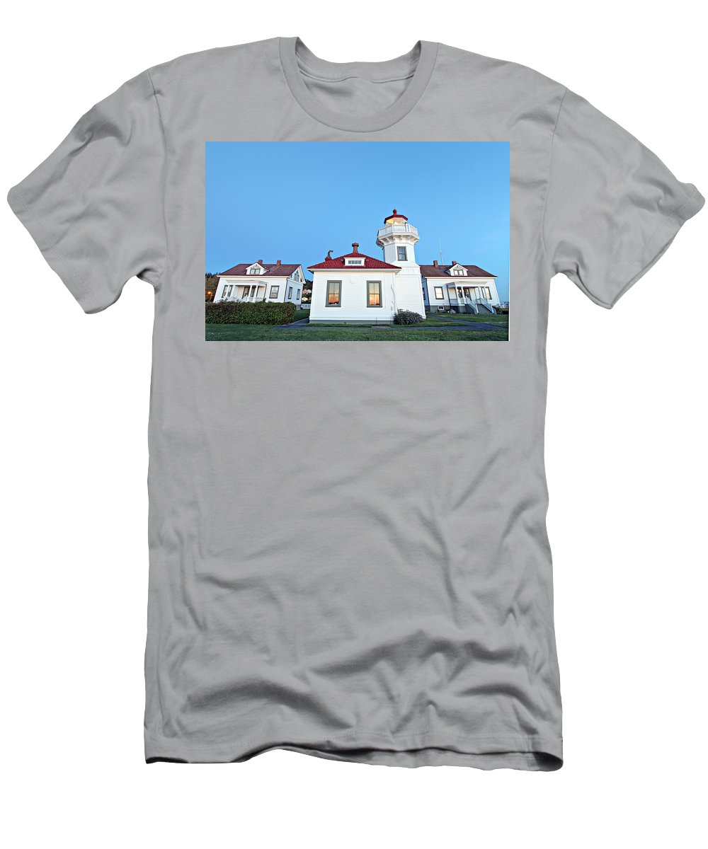 Building Men's T-Shirt (Athletic Fit) featuring the photograph Lighthouse by Paul Fell