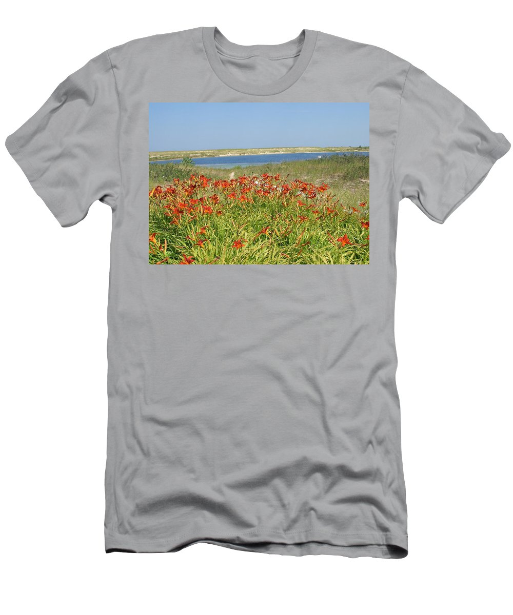 Patch Men's T-Shirt (Athletic Fit) featuring the photograph Lillies By The Lake by Susan Wyman