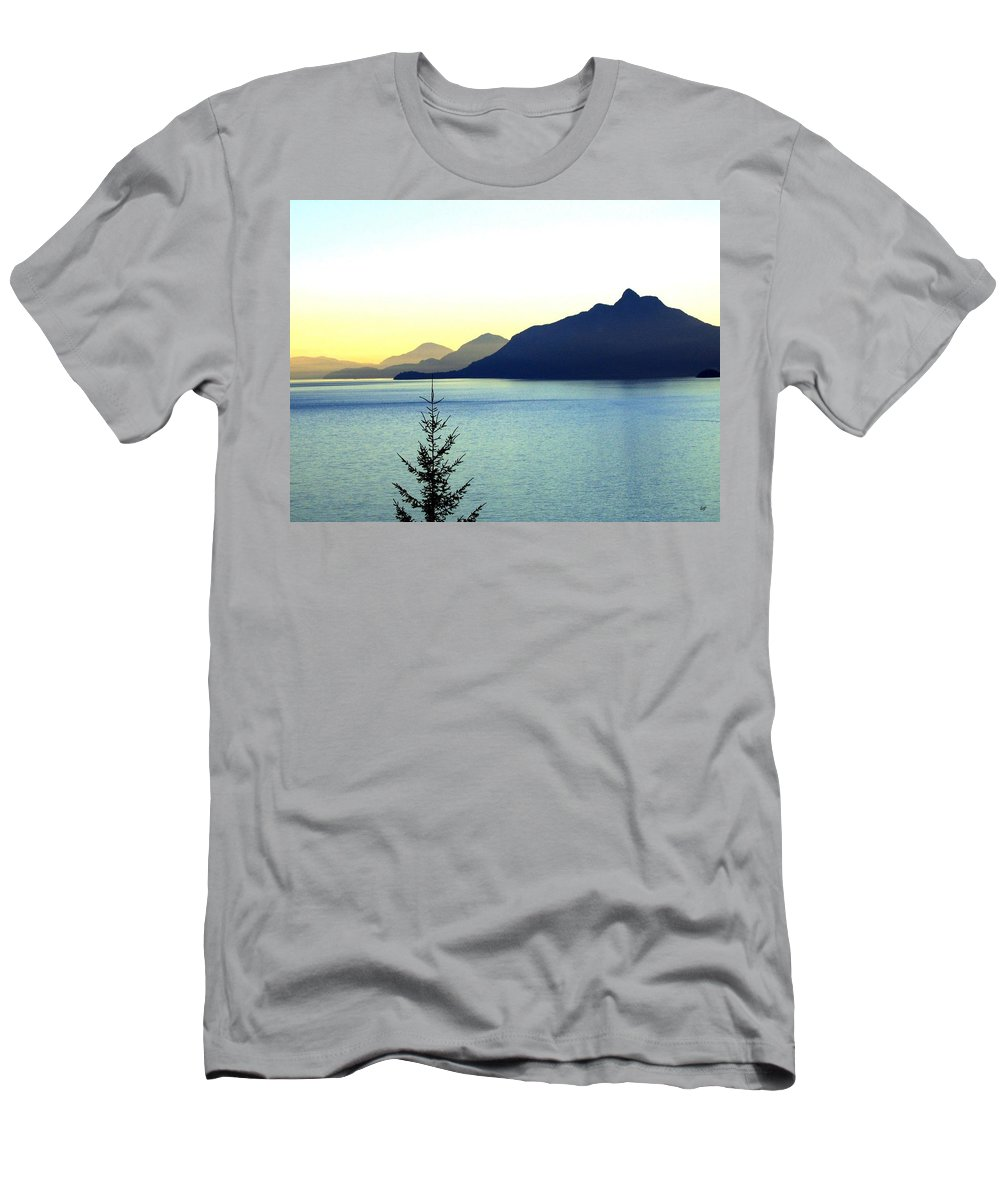 Vancouver Men's T-Shirt (Athletic Fit) featuring the photograph Magnificent Howe Sound by Will Borden