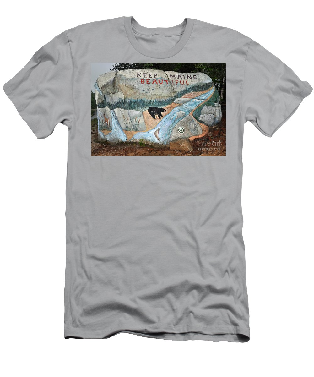 Baxter State Park Men's T-Shirt (Athletic Fit) featuring the photograph Maine Rock Painting by Glenn Gordon