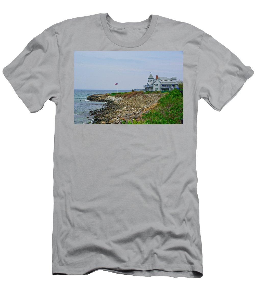 Landscape Men's T-Shirt (Athletic Fit) featuring the photograph Marginal Way by Nolan Jones