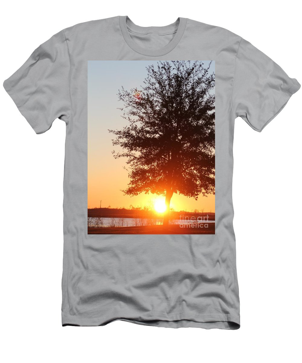 Mississippi Men's T-Shirt (Athletic Fit) featuring the photograph Mississippi Sunset 2 by Michelle Powell