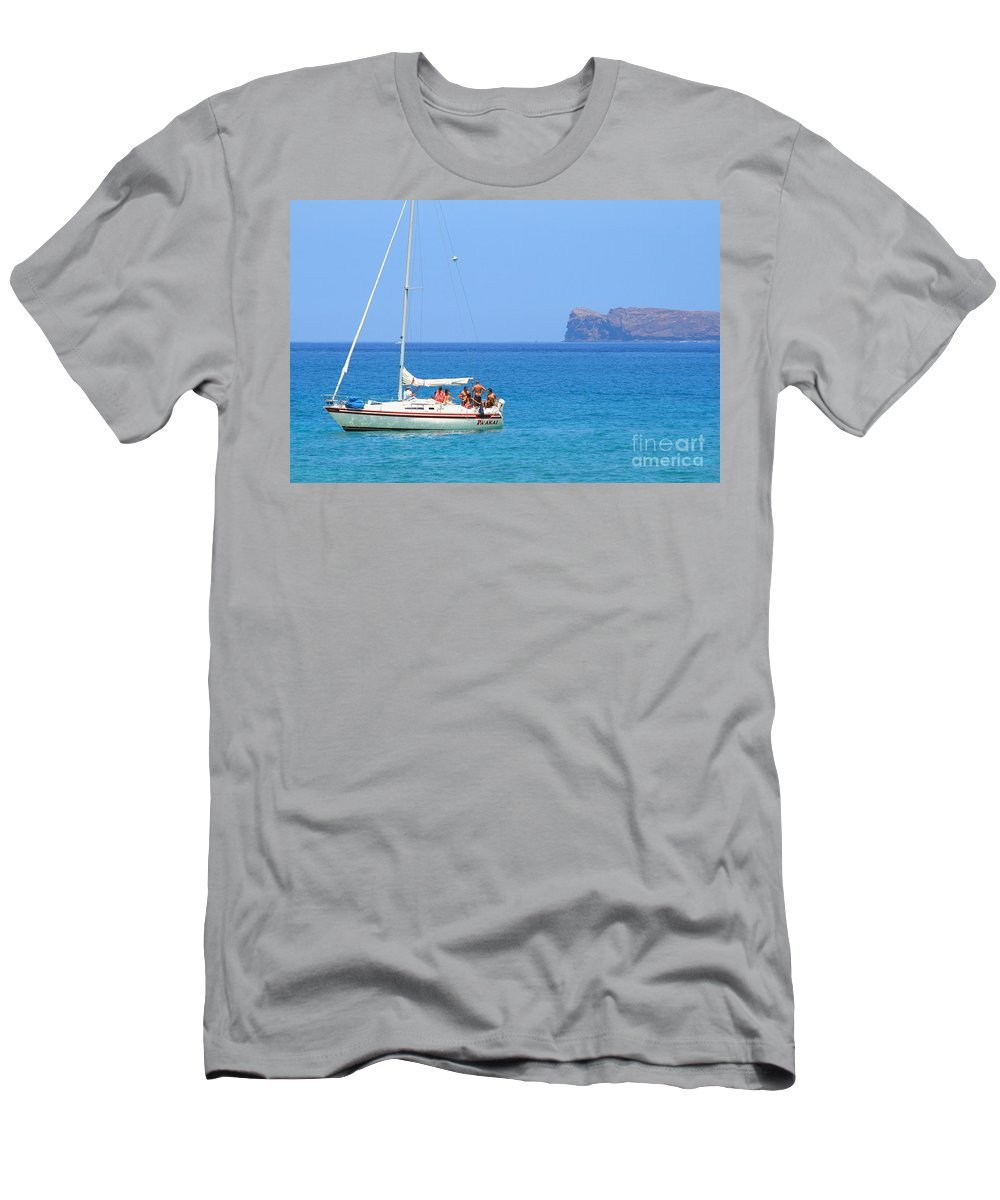Ocean Men's T-Shirt (Athletic Fit) featuring the photograph Molokini Chilling by Pharaoh Martin