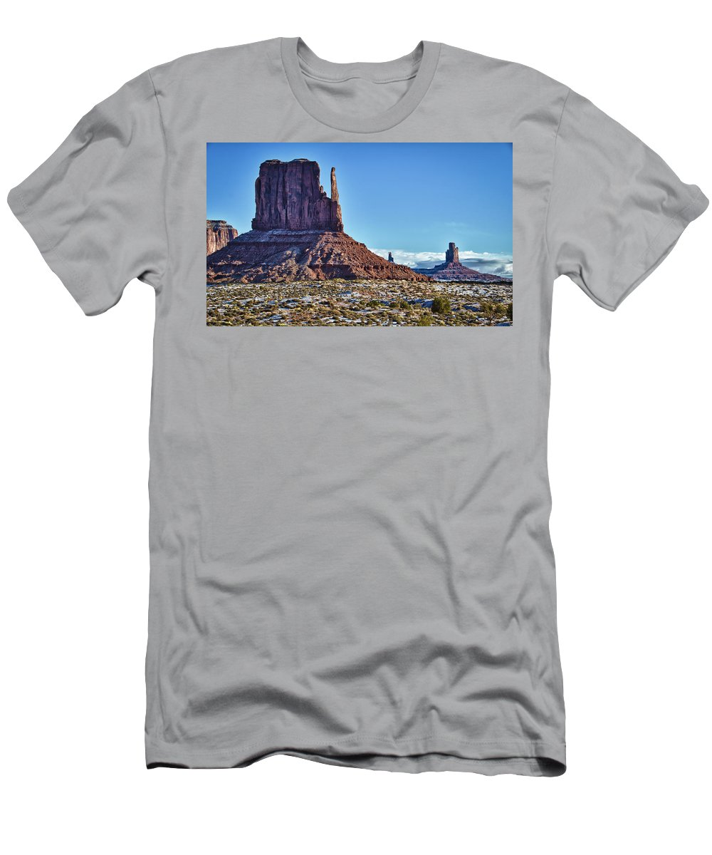 Monument Valley Utah Men's T-Shirt (Athletic Fit) featuring the photograph Monument Valley Ut 3 by Ron White