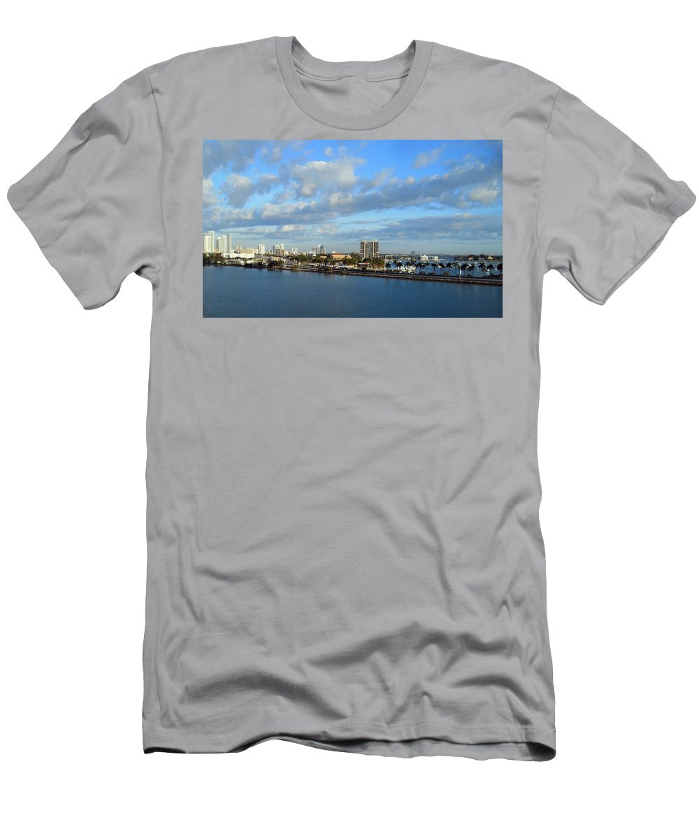 Channel Men's T-Shirt (Athletic Fit) featuring the photograph Morning In The City by Judy Hall-Folde