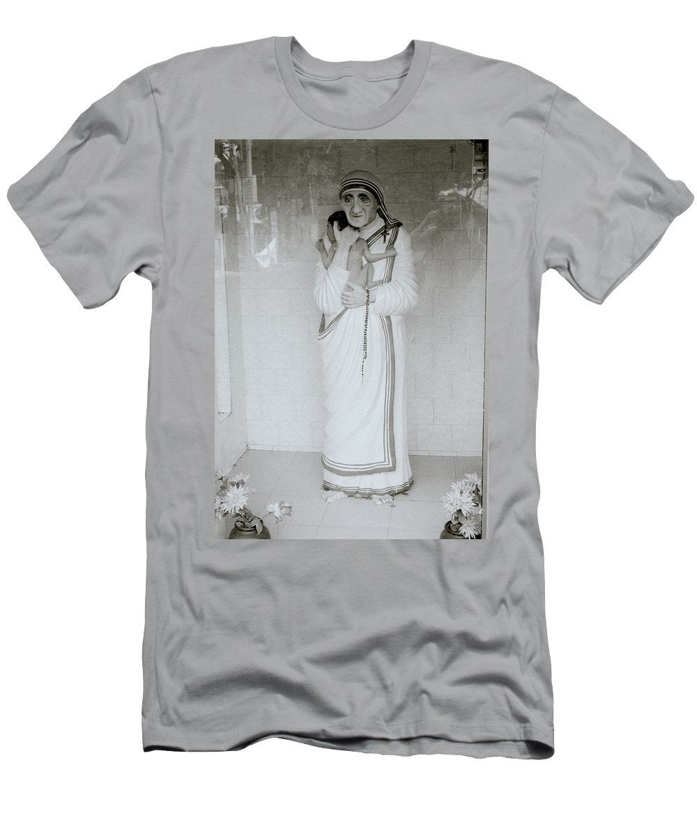 Mother Teresa Men's T-Shirt (Athletic Fit) featuring the photograph Mother Teresa by Shaun Higson