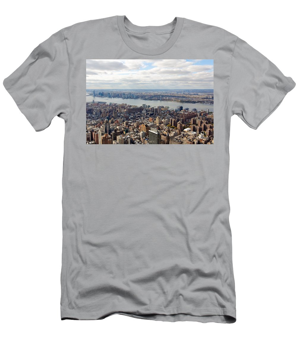 4th Avenue Men's T-Shirt (Athletic Fit) featuring the photograph New York View Towards Jersey by Jannis Werner