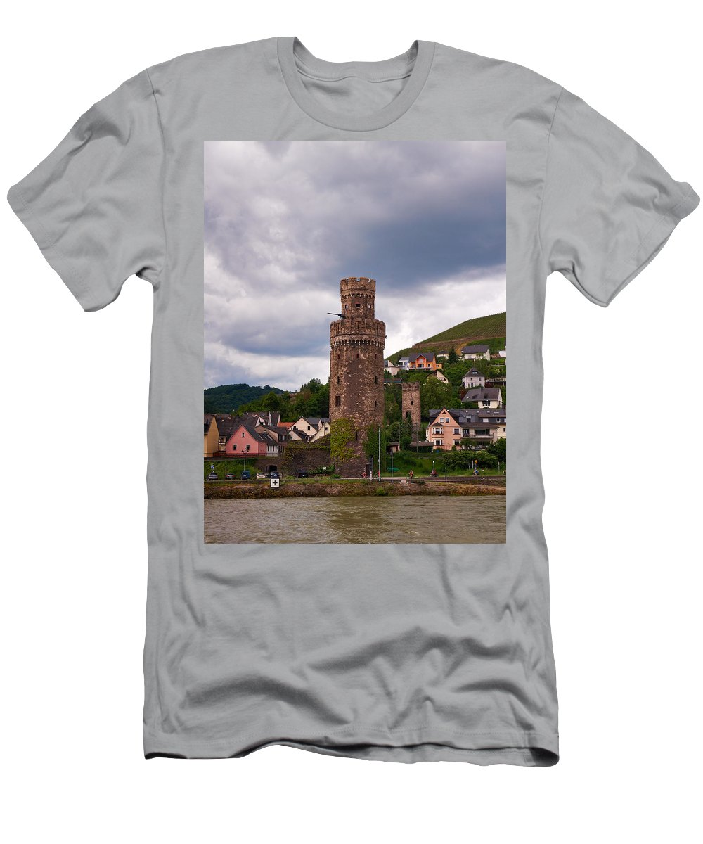 Alankomaat Men's T-Shirt (Athletic Fit) featuring the photograph Oberwesel Am Rhein by Jouko Lehto