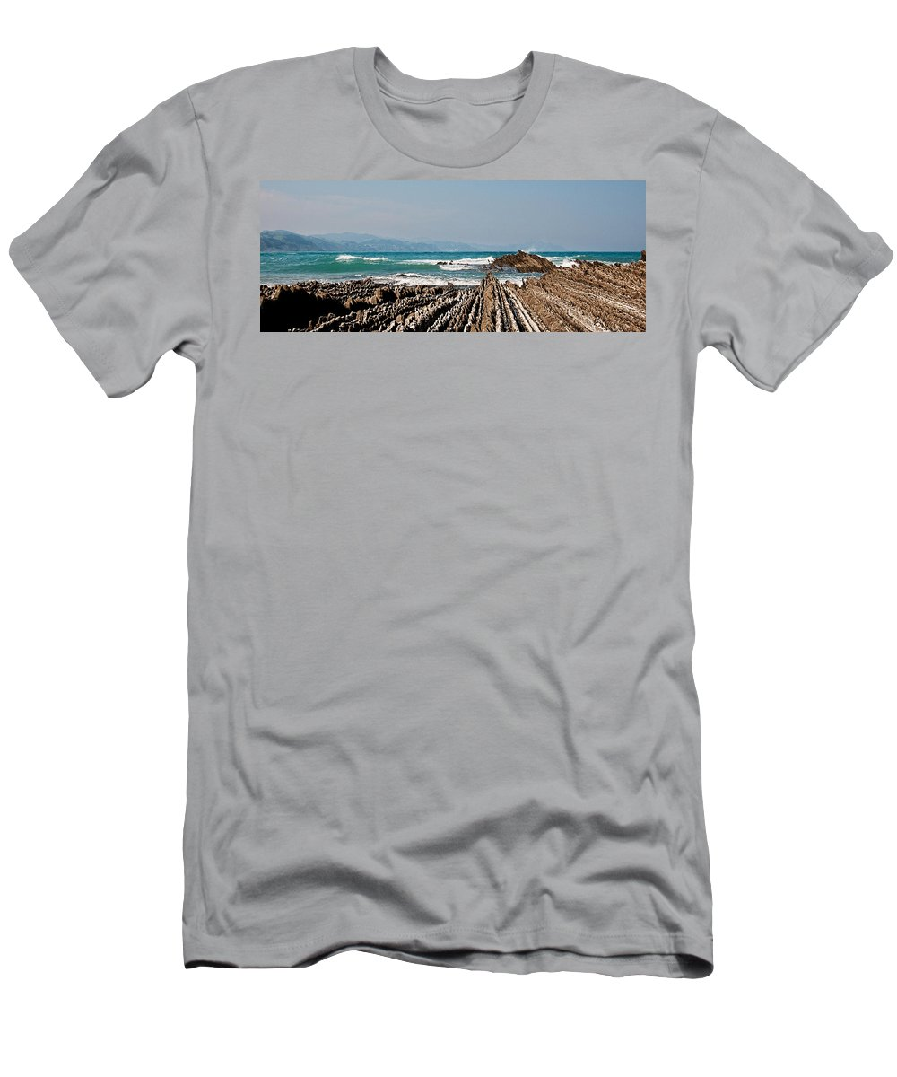 Game Of Trones Men's T-Shirt (Athletic Fit) featuring the photograph Pages Into The Sea No2 by Weston Westmoreland