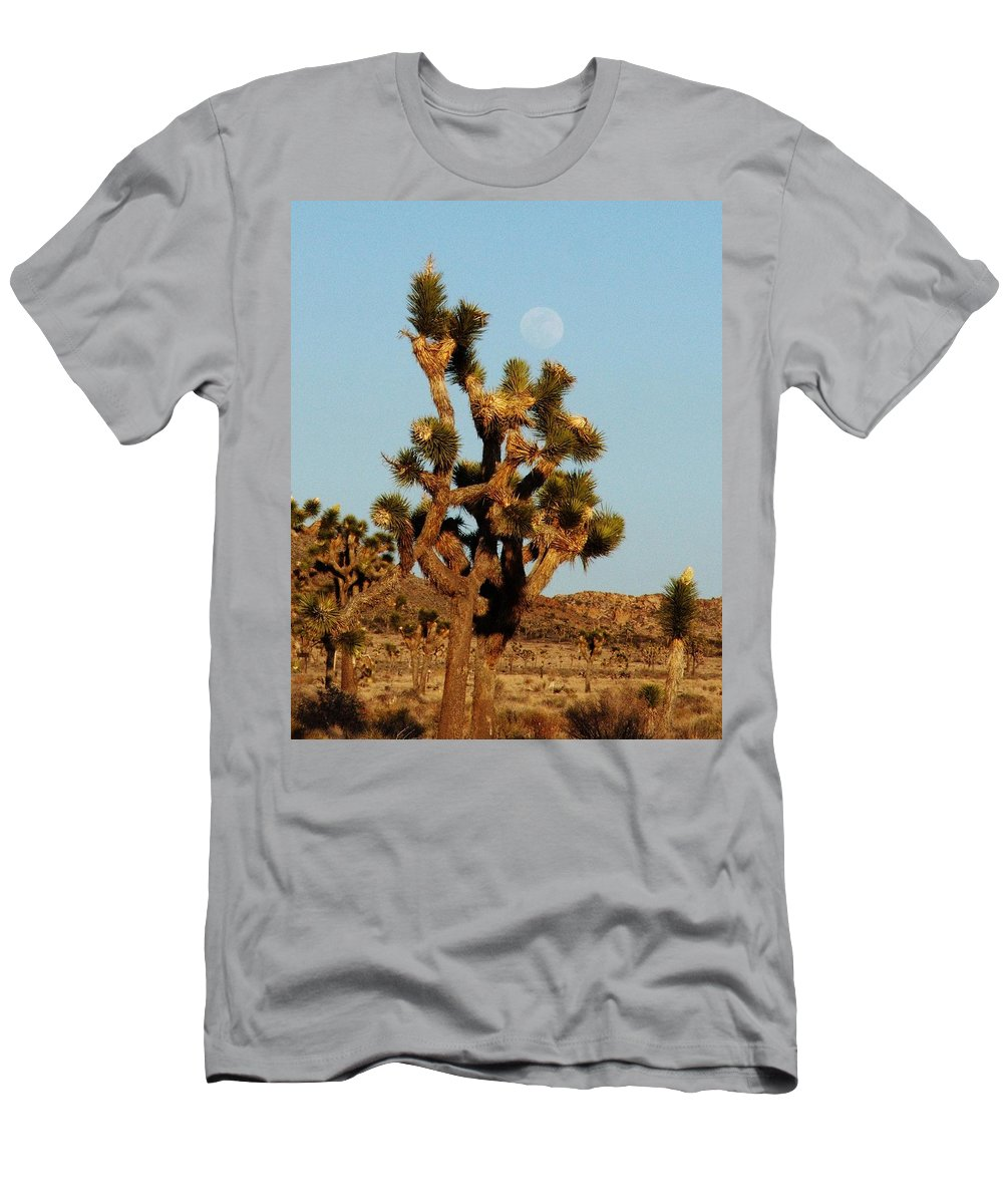 Joshua Tree Men's T-Shirt (Athletic Fit) featuring the photograph Pale Moon Rising by Patricia Quandel