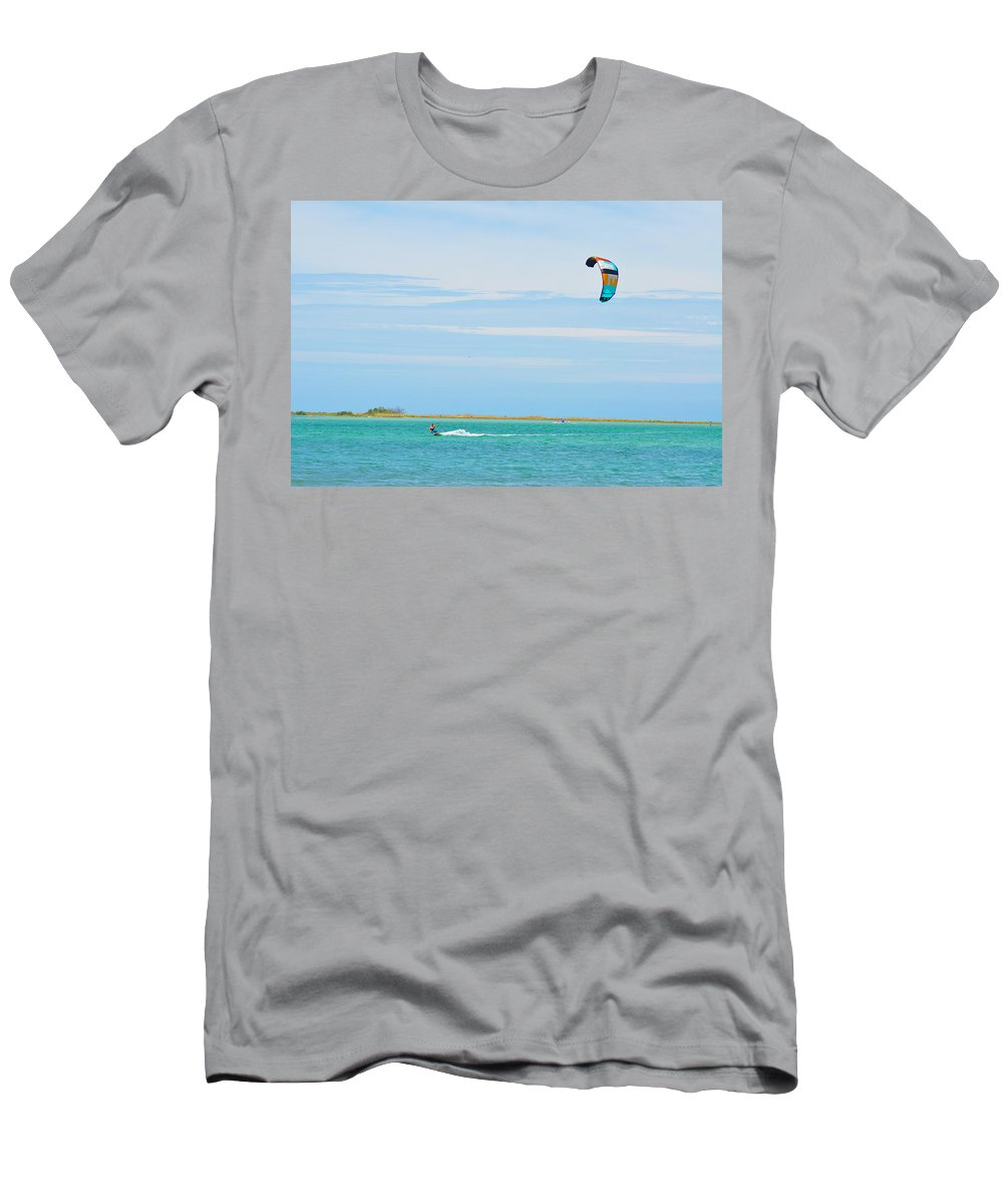 Parasurfing Men's T-Shirt (Athletic Fit) featuring the photograph Parasurfing by Bill Cannon