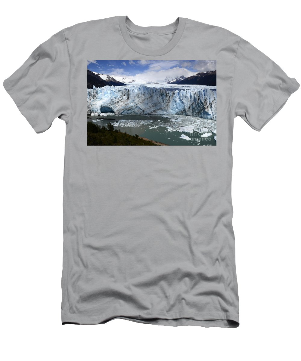 Patagonia Men's T-Shirt (Athletic Fit) featuring the photograph Patagonia Glaciar Perito Moreno 4 by Bob Christopher