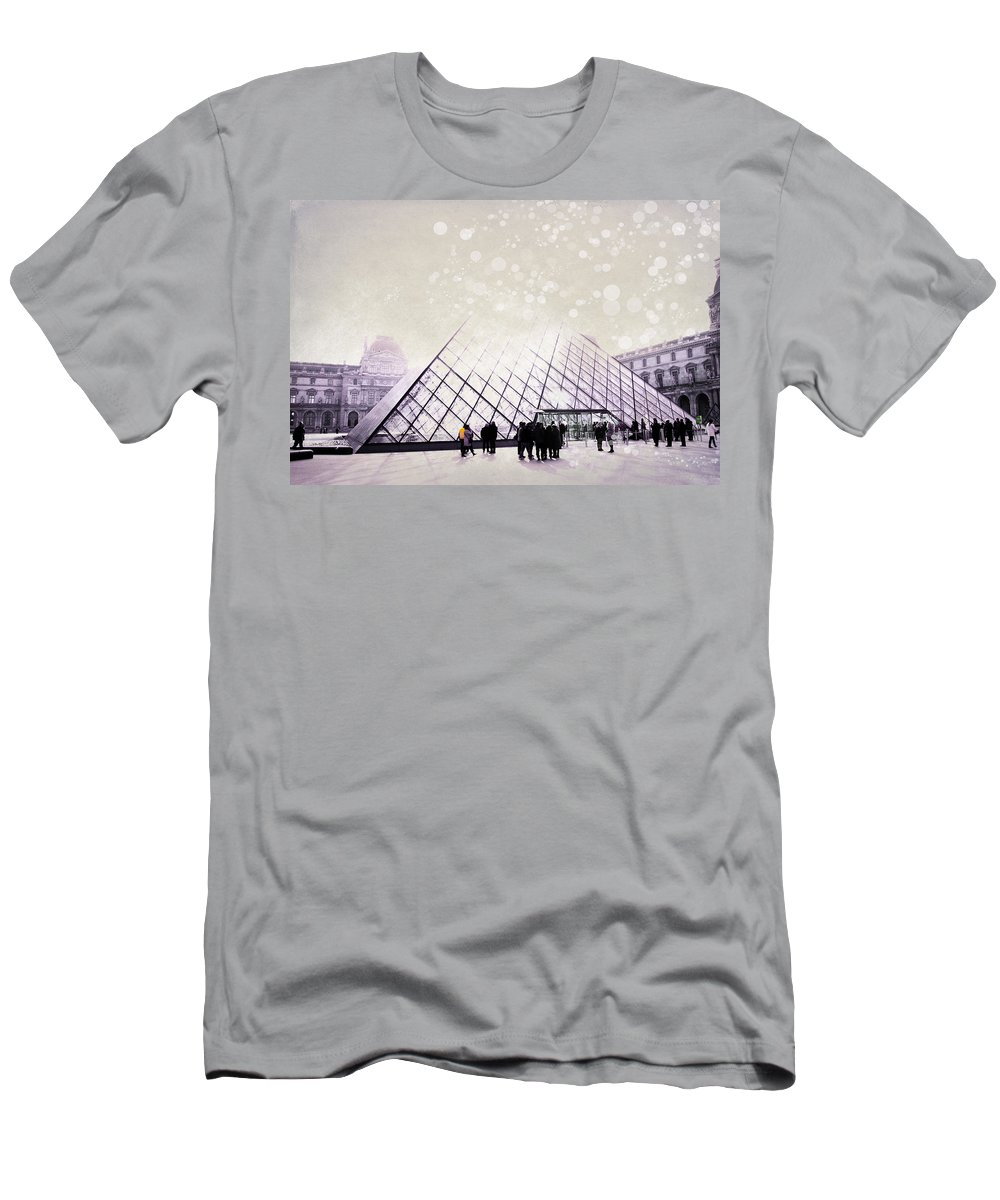 Evie Carrier Men's T-Shirt (Athletic Fit) featuring the photograph Pink Louvre Paris by Evie Carrier