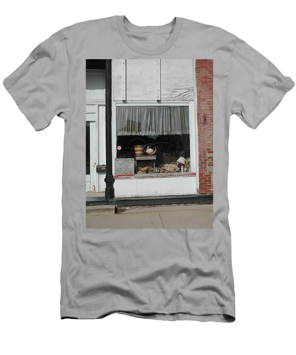 Baskets Men's T-Shirt (Athletic Fit) featuring the photograph Shopping by Joseph Yarbrough