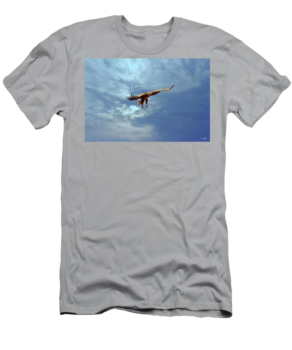 Eagle Men's T-Shirt (Athletic Fit) featuring the photograph Soaring by Scott Pellegrin